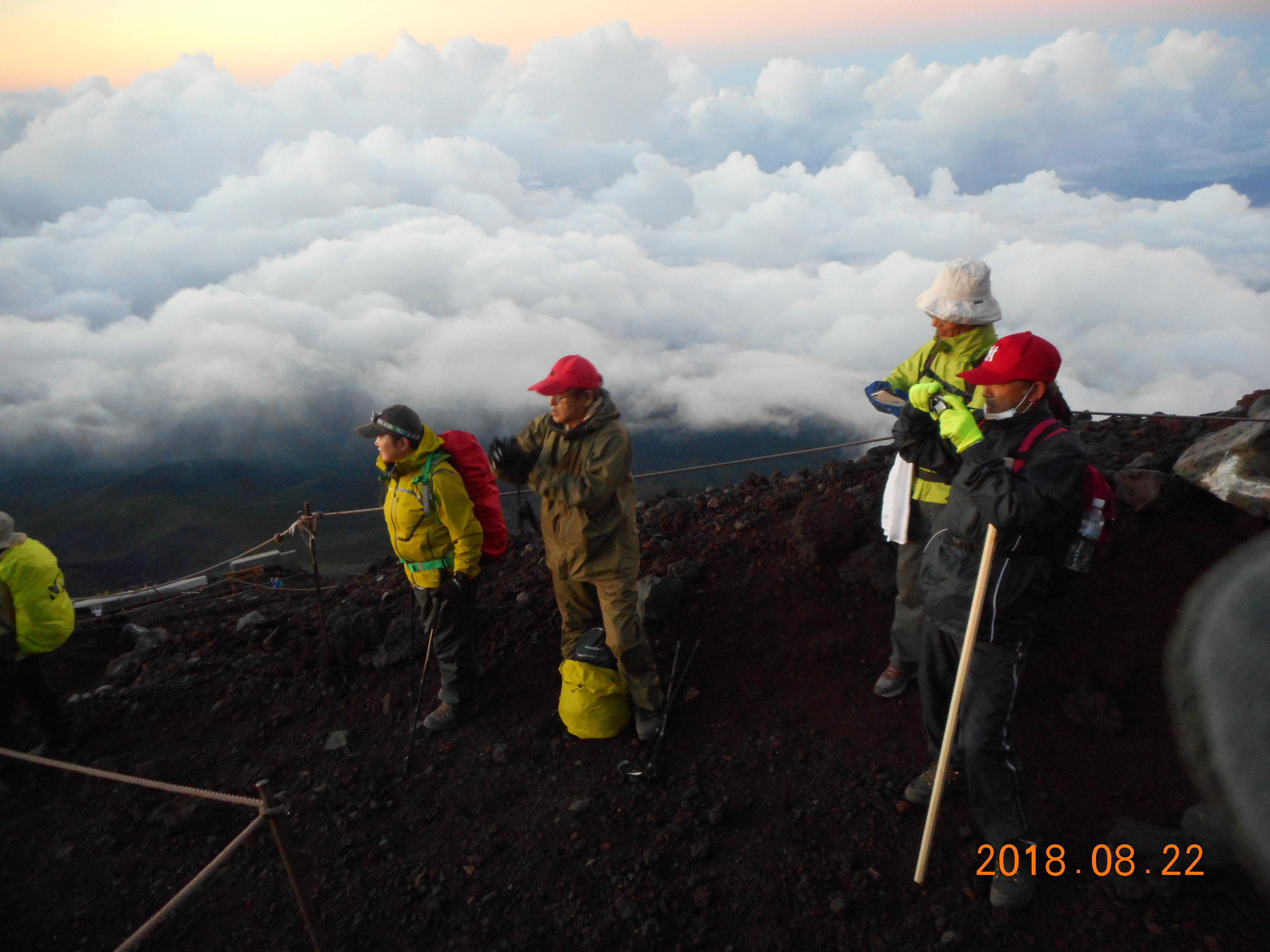 夢のハンカチ、富士山へ無事到達。